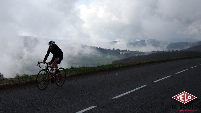 Benoit en ascension vers le Col de Malval (Rhône)