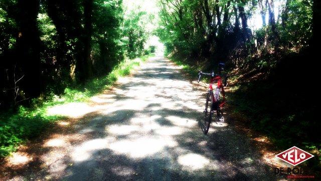 Petite route parralèle à la montée de Chasselay à Limonest